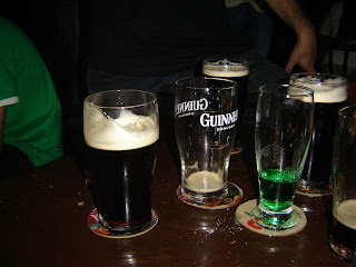 Que mané poker! Vambora beber Guinness! Sláinte!