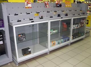 Распродажа в Тольятти стеллажи, витрины , прилавки торговые б/у, почти новые, очень низкие цены.ФОТО