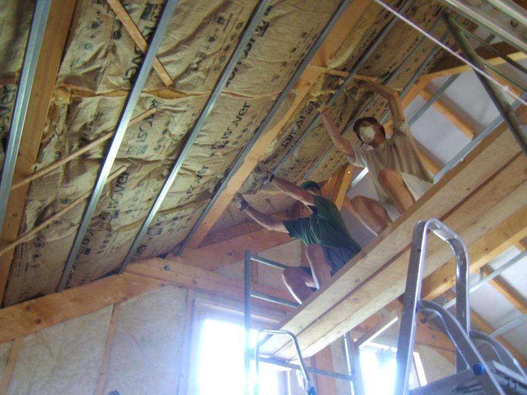 Combles et mezzanine devis immediat cholet saint for Pose laine de verre sous toiture