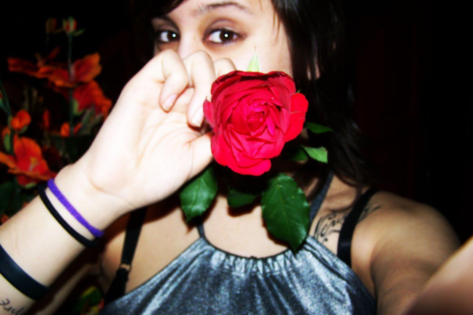 entre Espinas Y Rosas Facebook - Imagenes De Rosas Con Espinas