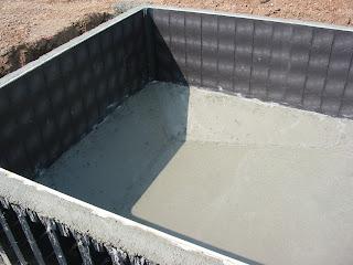 Ma maison s lestat b ton coul ce matin for Piscine beton coule