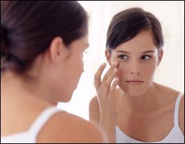 لعلاج الهالات السوداء حول العينين
