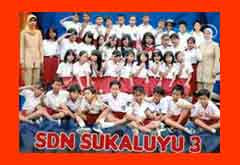 FOTO BERSAMA DI SEKOLAH