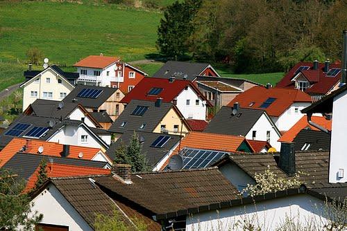 Kits panneaux solaires et oliennes des panneaux solaires for Augmenter la valeur de sa maison