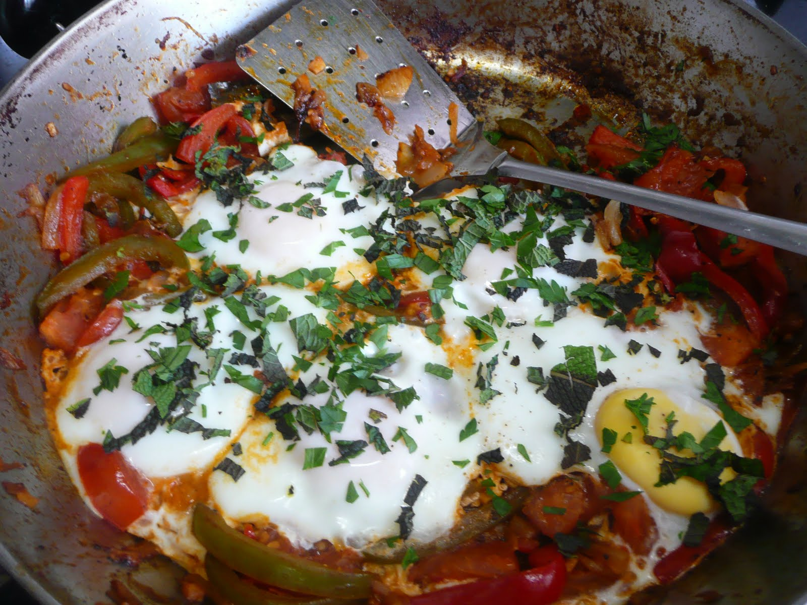 Blog Appetit: Eggs with Tomatoes and Peppers (Shakshouka) and Homemade ...
