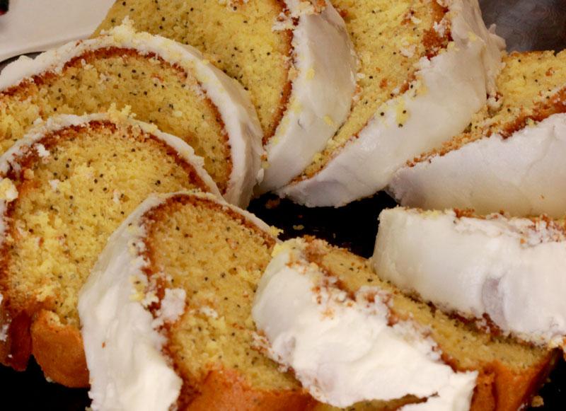 Delectable Edibles: Lemon Almond Poppyseed Cake