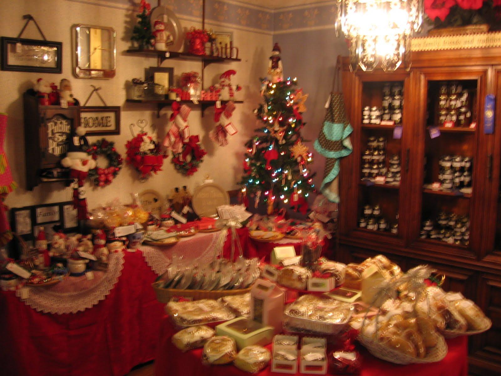 santa s gift shoppe year round christmas boutique tour day 1 mrs