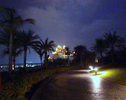 We took a stroll at night on the walkway and discovered where the water park . (atlantis walkway night)