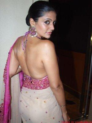 Mandira Bedi Boob Show