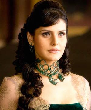 Zarine khan sizzles in
