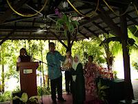 Foto Penyampaian Hadiah KGKT