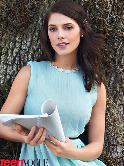 Ashley Greene en Vogue (habla de su relación con Joe por primera vez!!!!!!!!) Ashley-greene-tv-0311-5