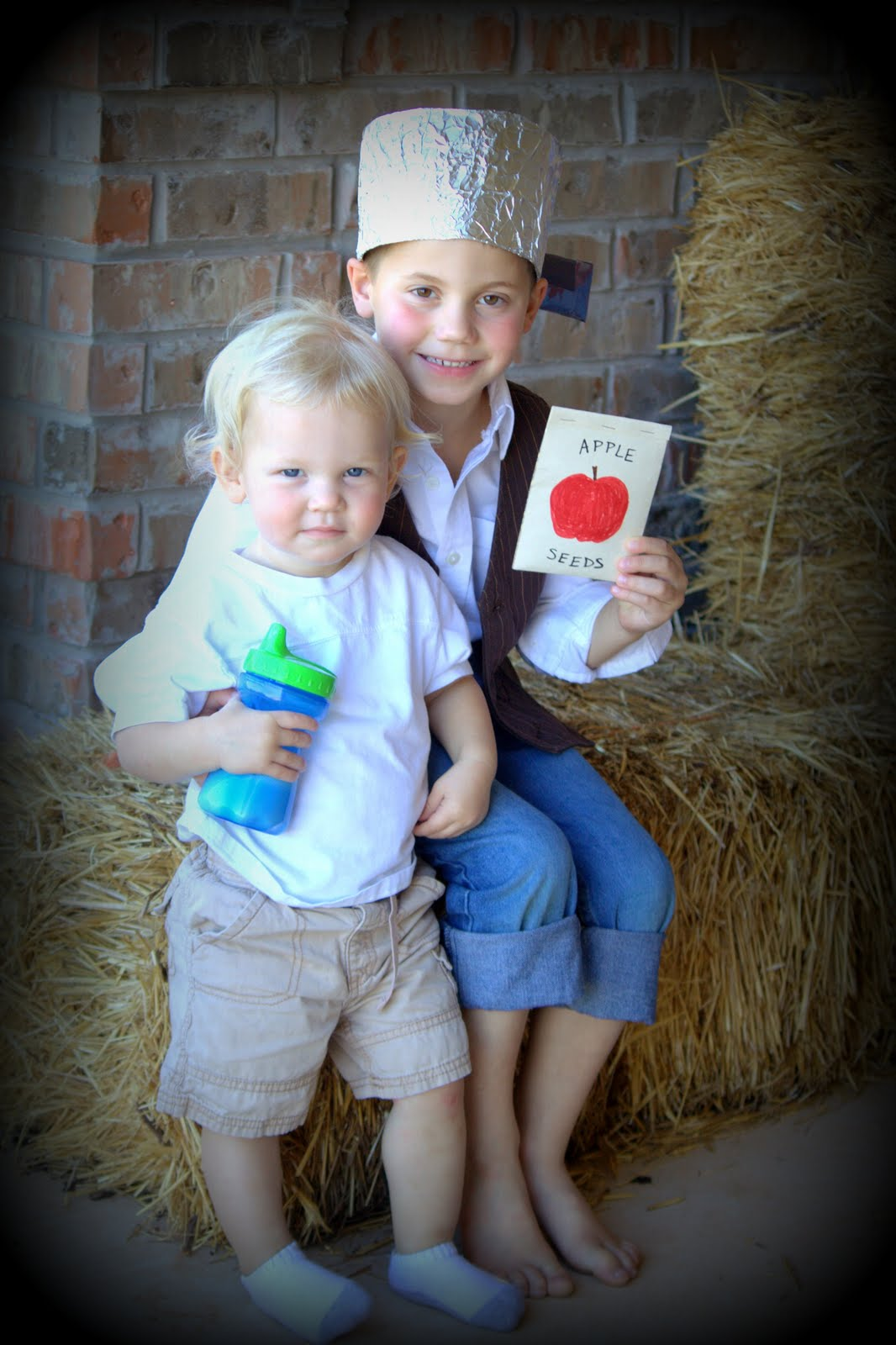 Johnny Appleseed Paper Hat Template http://mommylifeandme.blogspot.com/2010/10/my-little-johnny-appleseed.html