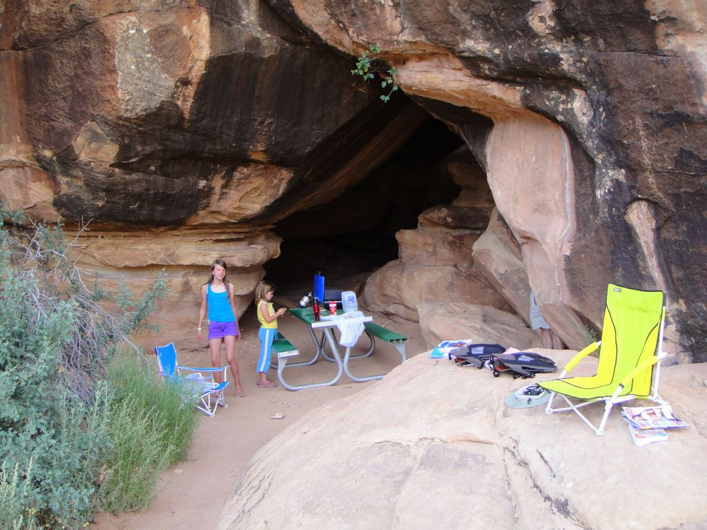 Mountains rule devils kitchen camp in the needles of for Kitchen in the canyon