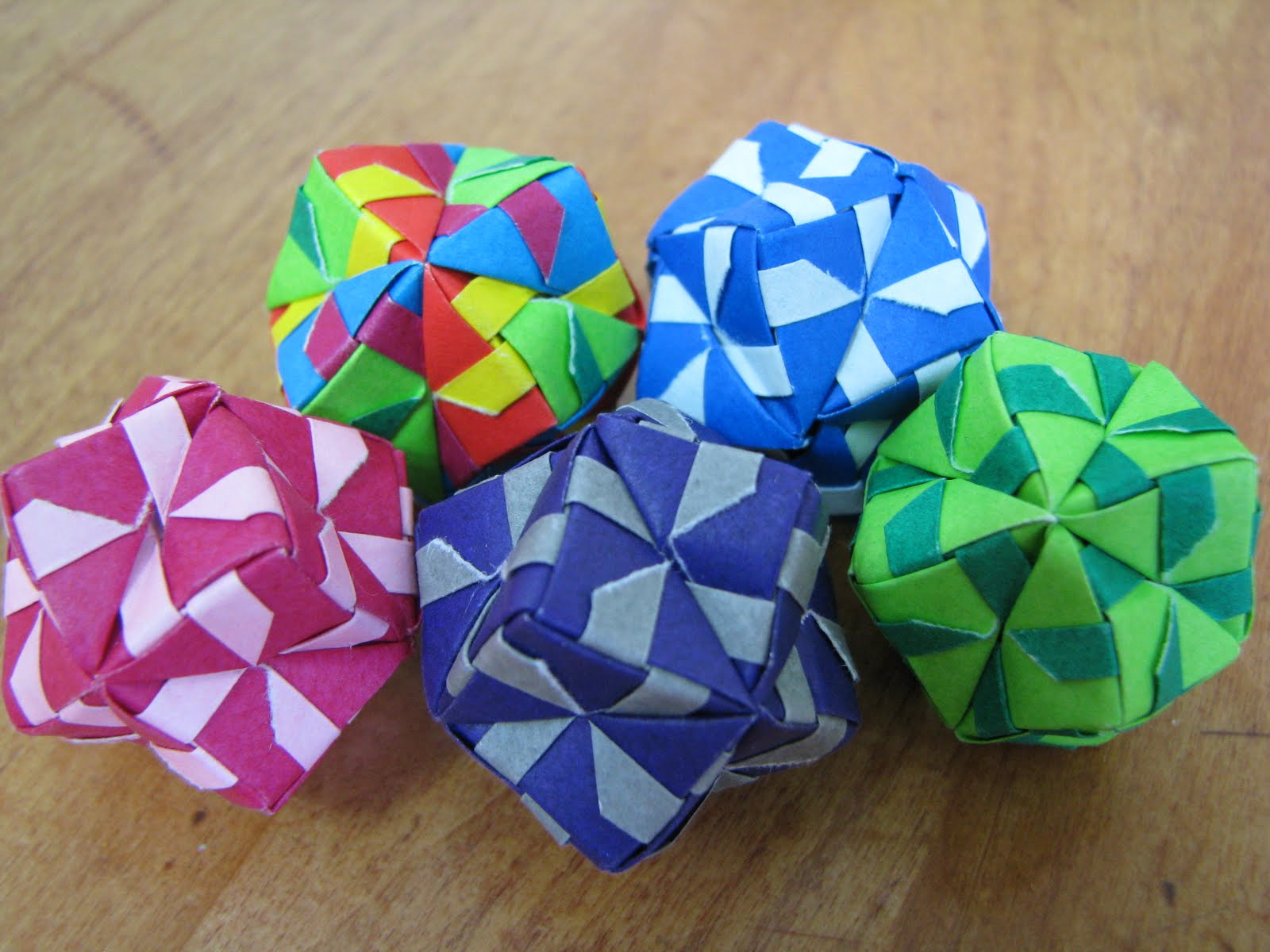 and Megumi Biddle Essential Origami 12unit sonobe ball misc colors Origami Paper Ball Instructions
