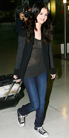 selena gomez jeans. What to Wear on an Airplane
