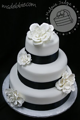 Cake Walk Navy Amp White Gardenia Wedding Cake