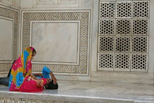 Newlyweds at the Taj Mahal, India