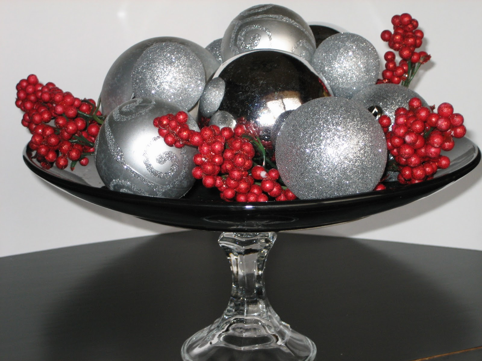 Peppermint plum minute dollar christmas centerpiece