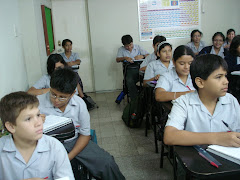 Los chicos de primero en clase
