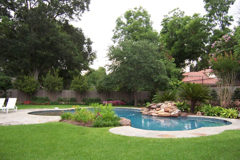 Residential Swimming Pool Designs : Modern residential landscaping around swimming pool