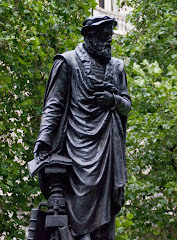 Tyndale Statue - London