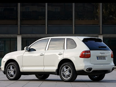 SUV Car Porsche Cayenne Diesel Side
