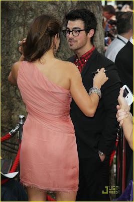 Joe Jonas,  eclipse,