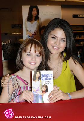 http://4.bp.blogspot.com/_dXhoR44EPso/TEiZ96zaDhI/AAAAAAAAFCU/tSqJ-ZG1Up4/s1600/Selena-Gomez-Joey-King3.jpg
