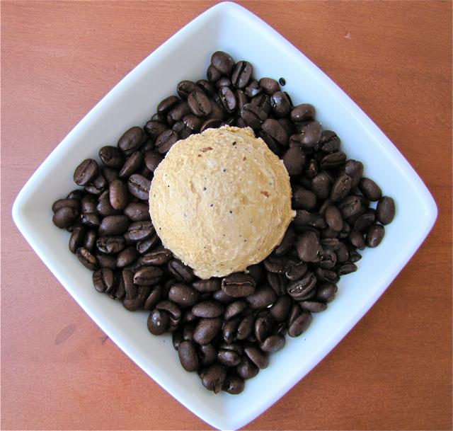 ... Und Backen Adventures: Ice Cream Fridays: Vietnamese Coffee Ice Cream