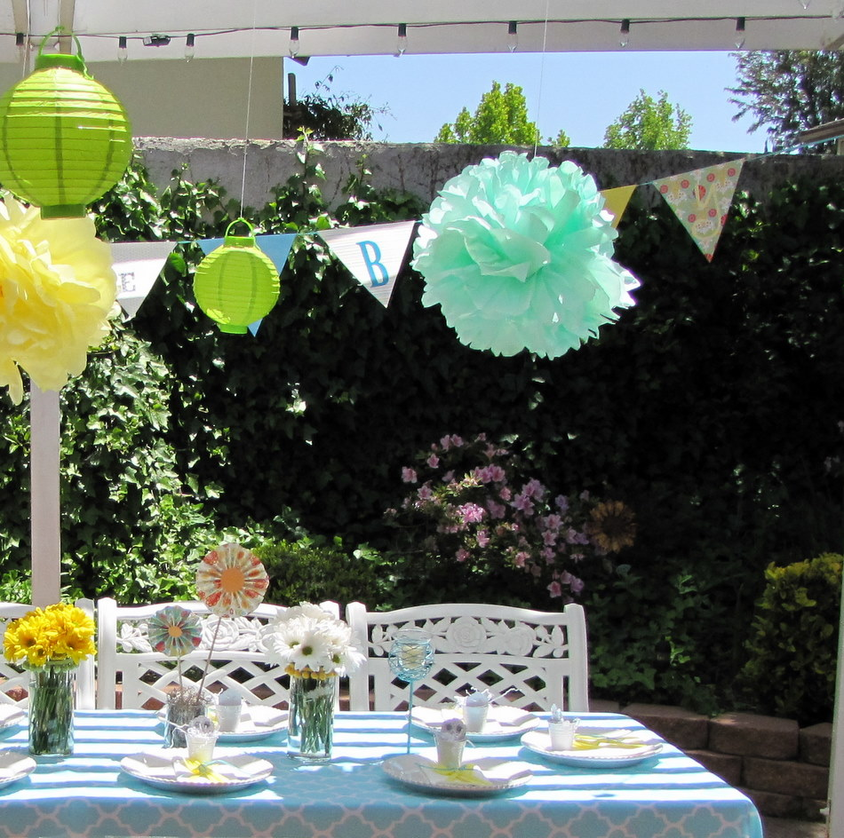 Garden baby shower luncheon celebrate little miss momma for Backyard baby shower decoration