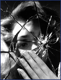 ���������������������� Broken-Glass-official-image.jpg