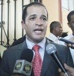 Juan De los Santos propone prohibir 3 períodos seguidos en cargos sujetos a elección popular