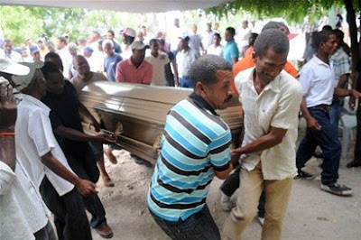 Galván está de luto por los 12 muertos en un accidente