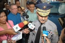 Policía asesta duro golpe a vendedores de CD y DVD pirateados