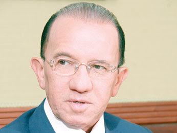 Amable declina y ofrece apoyo a Morales Troncoso