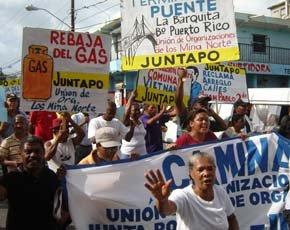 Decenas marchan en Los Mina Norte gritando consignas contra el Gobierno