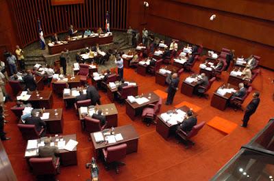 Senado aprueba varios proyectos  de ley y préstamos