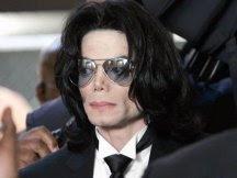 Michael Jackson sufre un paro cardíaco