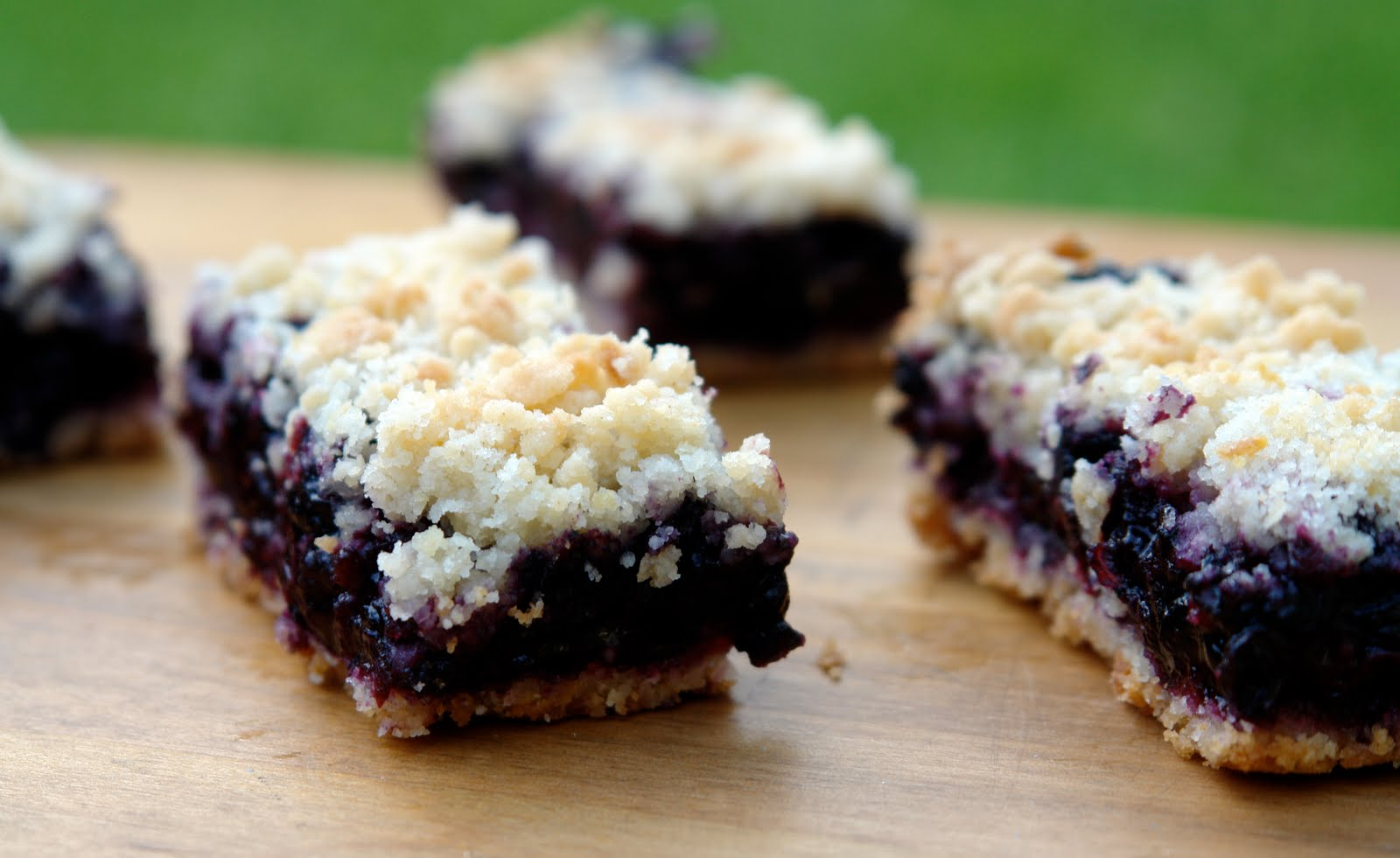 Bakes: Lemon Blueberry Crumb Bars