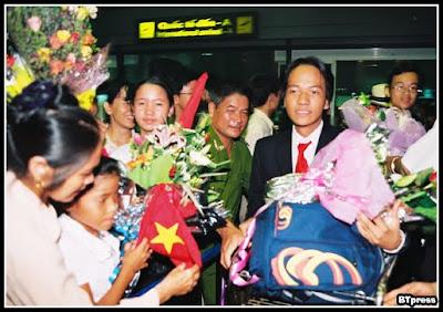 Pham Kim Hung, Sang tao Bat dang thuc