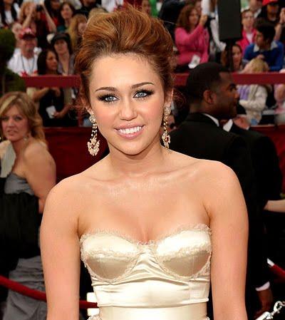 Implantes mamarios Miley Cyrus