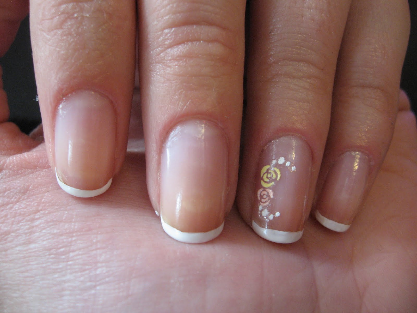 Homemade nails: Simple french manicure on short nails