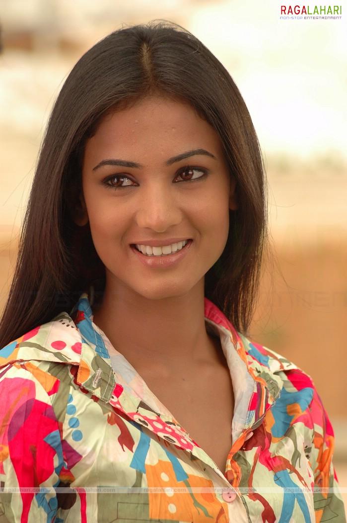 wallpaper of sonal chauhan. of Actress SONAL CHAUHAN