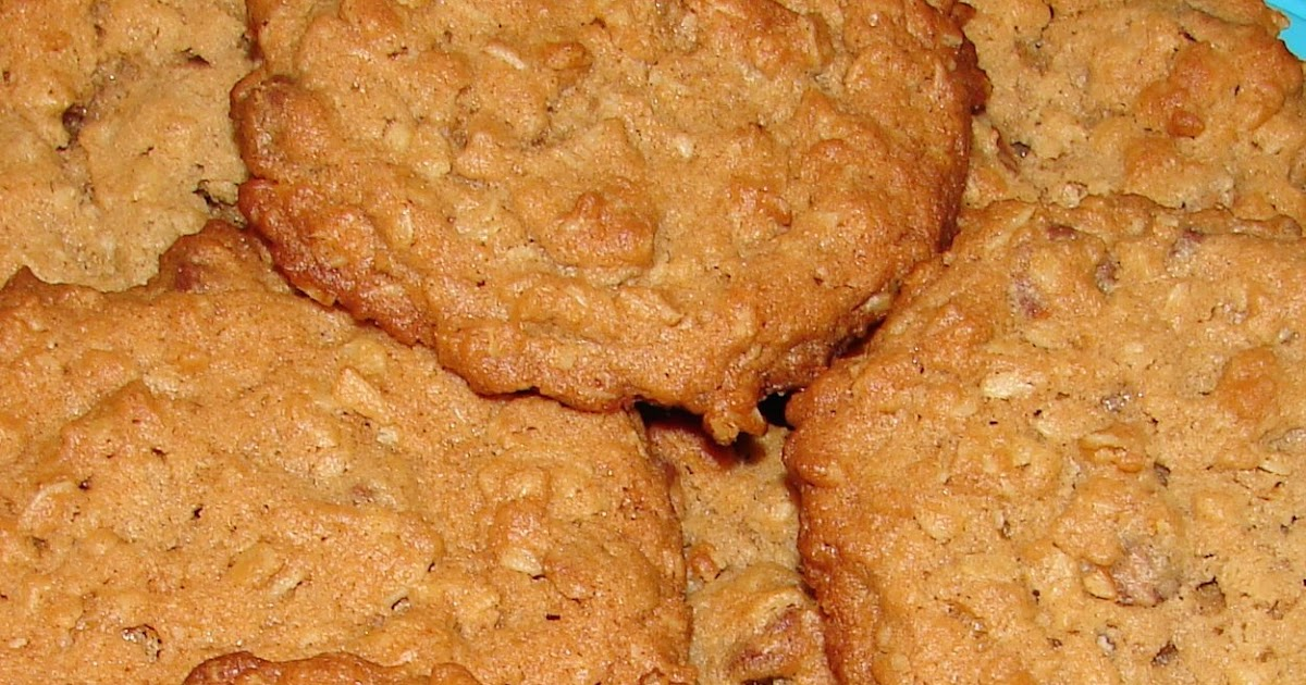 Nummy Kitchen: Chunky Peanut Butter and Oatmeal Chocolate Chipsters ...