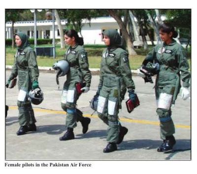 status of women in pakistan It depends on the city and the type of job for example in lahore or islamabad, it is really easy for a women to find a job of high status but the # of such jobs will be limited.