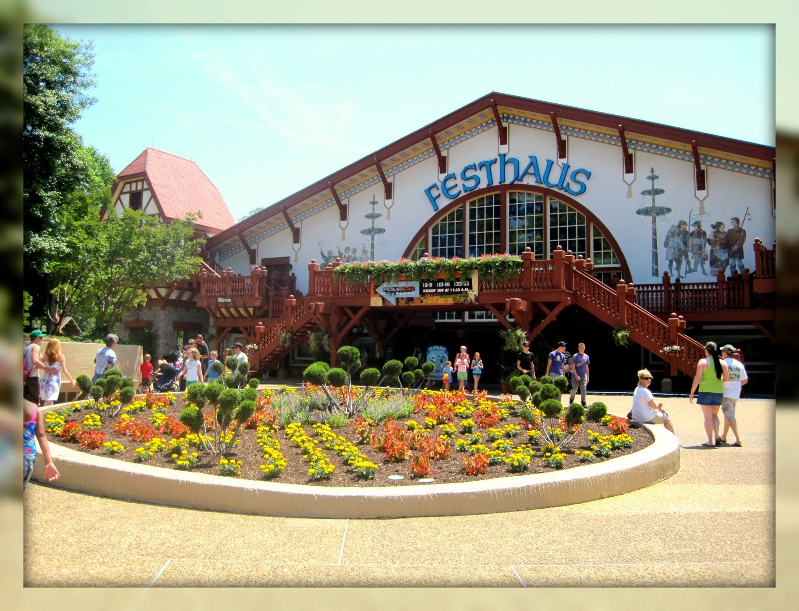Living In Williamsburg Virginia Festhaus Busch Gardens