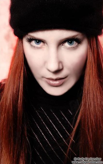 Simone Simons - Photo Set