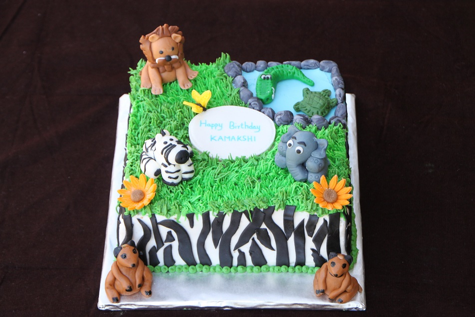 Animal Themed Cake And Cupcakes