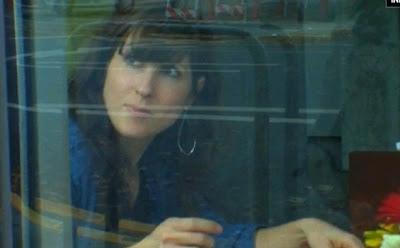 Wanita Cantik Hidup Dalam Aquarium Selama 1 Bulan